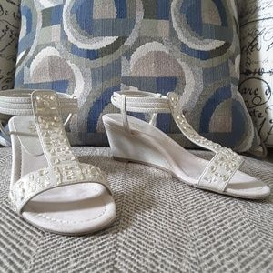 East 5th sandals size 7
